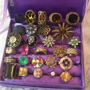Bundle of 28 Rings mostly Avon in variety of sizes